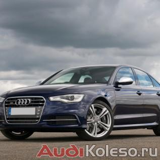 Оригинальные диски Ауди 8T0601025BT на темно-синей Audi S6 C7
